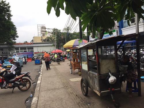 Ilustrasi PKL jualan di trotoar (Foto: Okezone.com/Sarah)