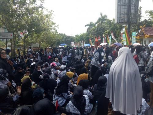 Demo guru di Pekanbaru