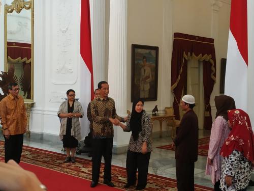 Presiden Jokowi dan Siti Aisyah
