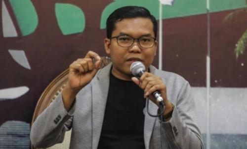 Pangi Syarwi Chaniago.