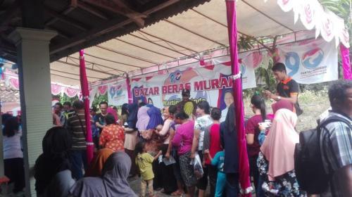 Bazar Murah Partai Perindo di Grobogan (foto: Bramantyo/Okezone)