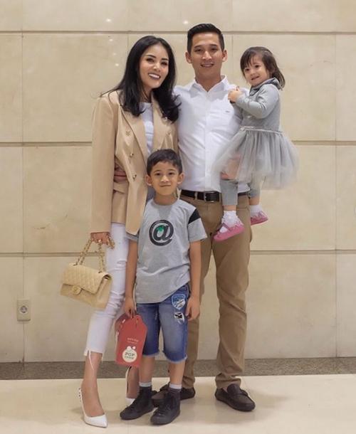 keluarga Nindy Ayunda