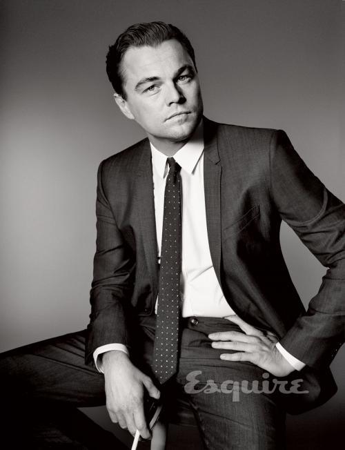 Leonardo DiCaprio ternyata punya kebiasaan memacari para selebriti dan model cantik di bawah usia 25 tahun. (Foto: Esquire)