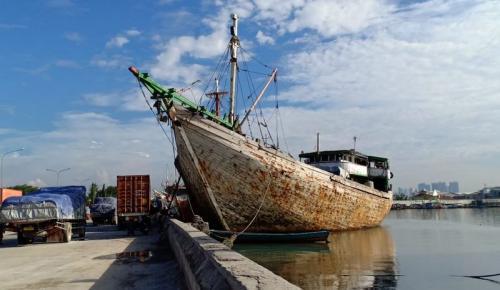 Kapal Phinisi di Sunda Kelapa