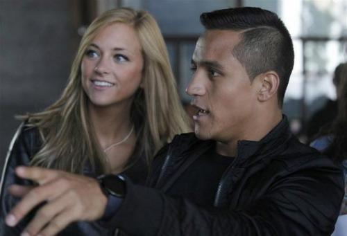 Laia Grassi dan Alexis Sanchez