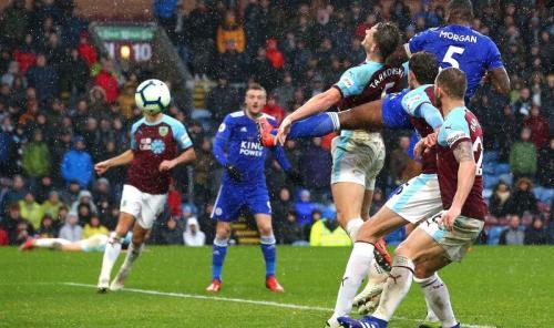 Wes Morgan mencetak gol penentu di menit ke-90 (Foto: Laman resmi Premier League)