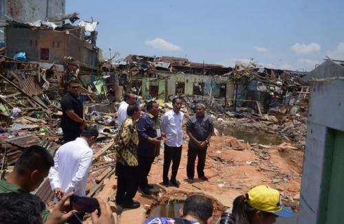 Jokowi di Lokasi Ledakan Bom Sibolga