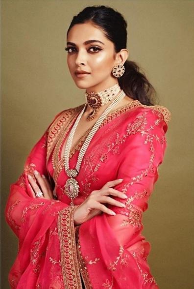 Deepika cantik
