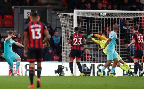 Matt Richie menghancurkan harapan Bournemouth untuk merengkuh tiga poin (Foto: Laman resmi Premier League)