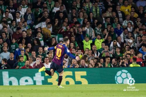 Lionel Messi mendapat standing ovation