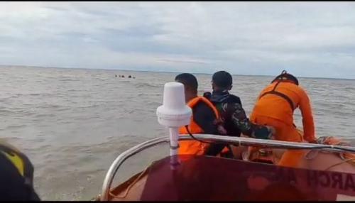 Proses Evakuasi Kapal Karam di Muara Asmat, Papua (Ist)