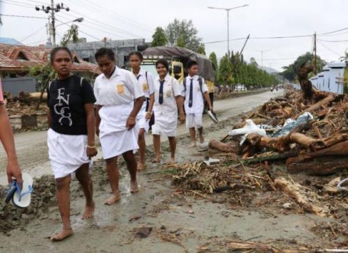 Korban banjir Sentani