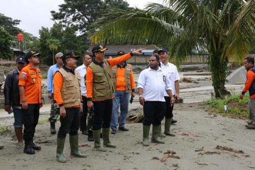 Kepala BNPB meninjau banjir Sentani