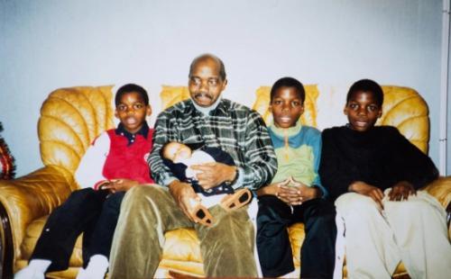 Keluarga Paul Pogba (Foto: Telegraph)