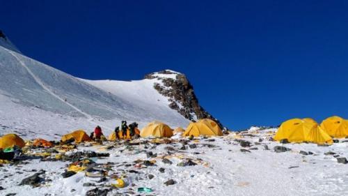 Jasad pendaki dikatakan muncul di Camp 4 terutama karena tanahnya yang rata. (Doma Sherpa)
