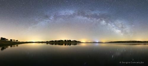 Galaksi Bima Sakti Terlihat Memakan Gas Misterius