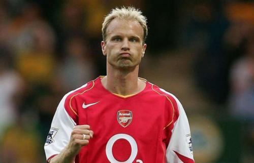 Legenda Arsenal, Dennis Bergkamp saat masih aktif bermain