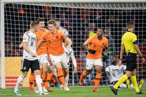 Matthijs de Ligt sempat memperkecil ketertinggalan (Foto: Laman resmi UEFA)