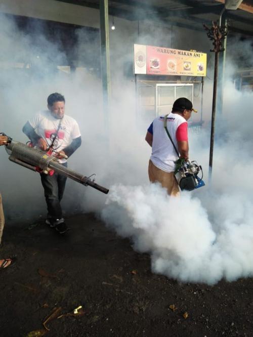 Cegah Wabah DBD, Caleg Perindo Lakukan Fogging di Karangasem Bali (Syaiful Islam)