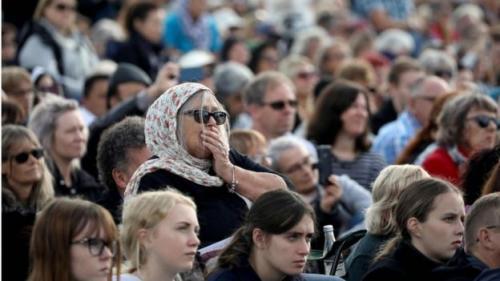 Masyarakat Christchurch dan sekitarnya mengenang penembakan masjid Selandia Baru. (Foto: AFP/Getty Images)