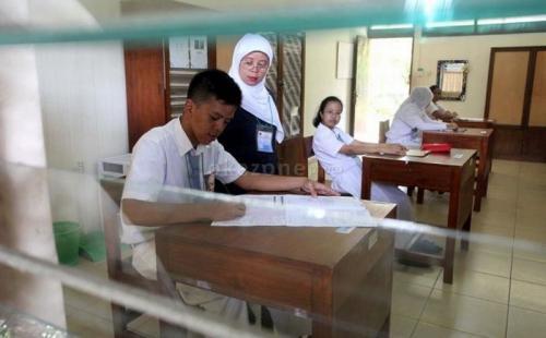 Ujian Nasional Kertas dan Pensil (foto: Okezone)