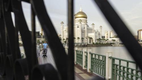 Brunei berpenduduk sekitar 400.000 jiwa dan mayoritas adalah muslim. (EPA)