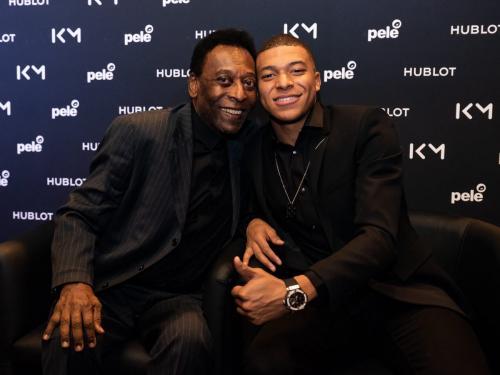 Pele dan Kylian Mbappe (Foto: Twitter/@KMbappe)