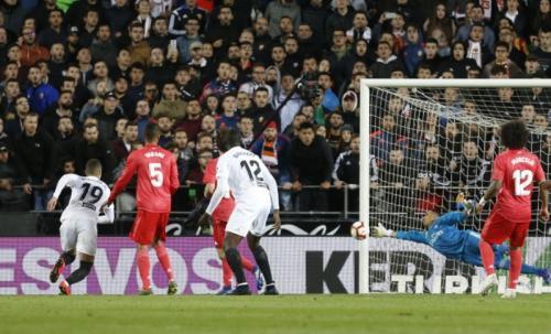 Laga Valencia vs Real Madrid