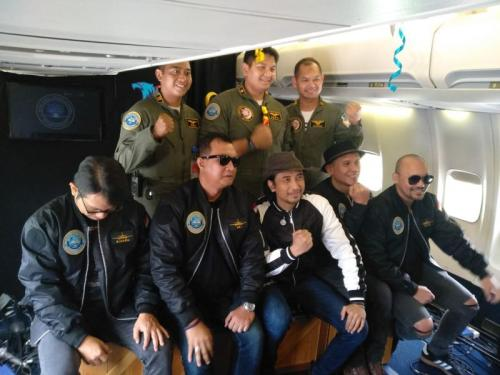 Sambut HUT-ke 73, TNI AU Kolaborasi dengan Padi Reborn Gelar Konser di Ketinggian 15.000 Kaki (foto: Dika/Okezone)