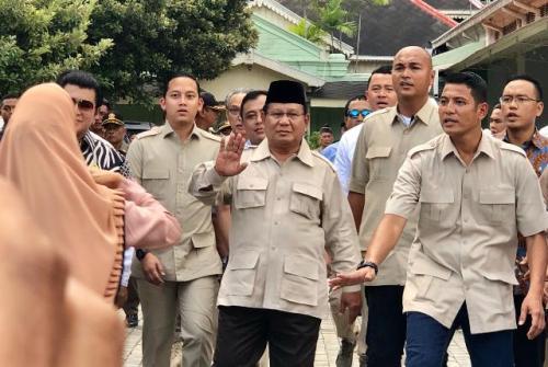 Capres Prabowo Subianto usai bertemu Sultan di Kepatihan (foto: KR Jogja)