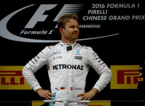 Nico Rosberg berhasil mengalahkan Hamilton