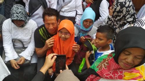 Korban banjir di Bandung bertemu skuad Persib
