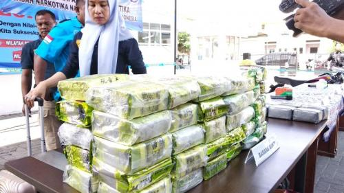 Dibantu PDRM, BNN Tangkap Gembong Narkoba Pemilik 64 Kg Sabu-Sabu (foto: Wahyudi/Okezone)