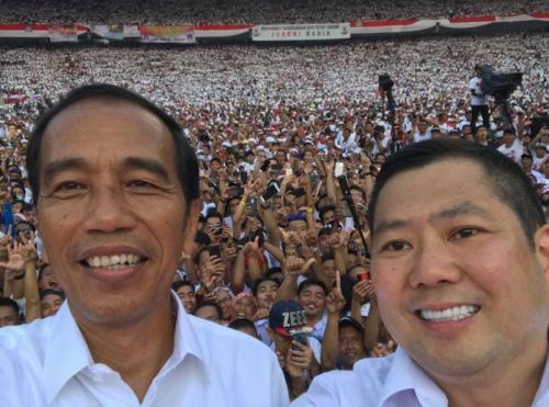 Hary Tanoe dan Jokowi di Konser
