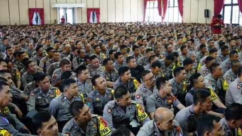 Personel Polres Bandung dalam Apel Serpas Pengaman Pemilu 2019 (foto: CDB Yudistira/Okezone)