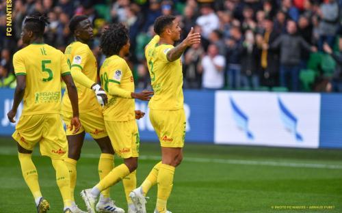 Nantes vs PSG (Foto: Twitter Nantes)