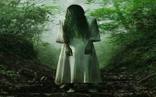 sosok hantu