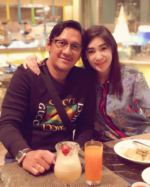 Andre Taulany dan Istri