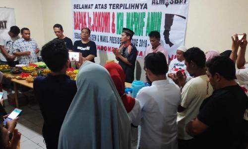 Relawan Jokowi syukuran atas hasil quick count (Ist)