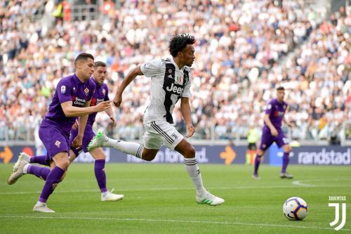 Aksi Cuadrado saat sedang membela Juventus