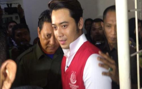 Kriss Hatta saat menjalani persidangan. (Foto: Okezone)