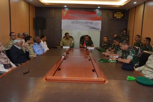 Studi Banding Sistem Pertahanan, NDU Pakistan Kunjungi Mabesad (Dispenad)