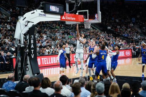 San Antonio Spurs vs Denver Nuggets (Foto: @spurs/Twitter)