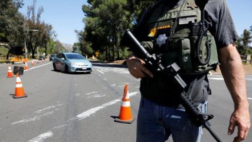 Polisi belum menyebutkan motif serangan, namun Presiden AS Donald Trump mengatakan serangan itu terlihat seperti kejahatan kebencian. (Reuters)