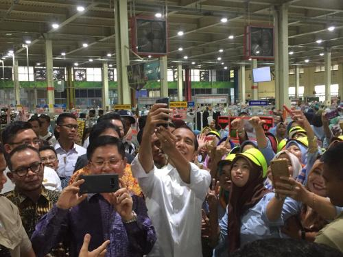 Jokowi dan buruh 2 (Fakhri)
