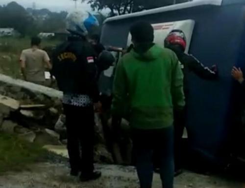 Kecelakaan Bus Pariwisata di Jalur Puncak, Bogor (foto: Putra RA/Okezone)