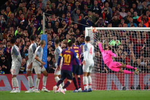 Messi tendangan bebas