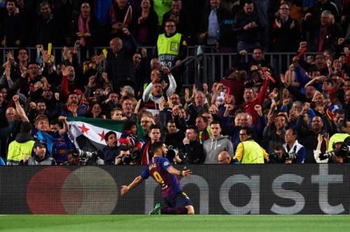 Selebrasi Luis Suarez (Foto: UEFA)
