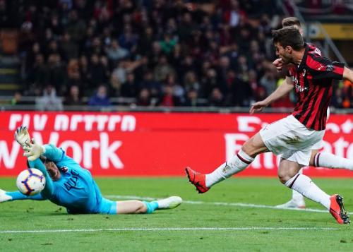 Fabio Borini menggandakan keunggulan AC Milan (Foto: Laman resmi AC Milan)