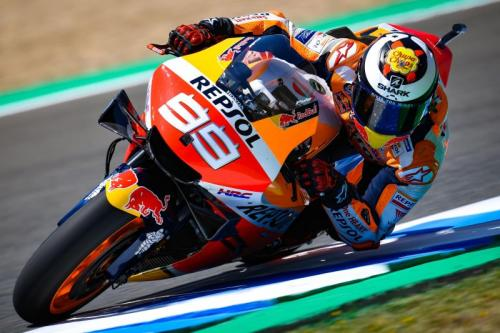 Jorge Lorenzo melakukan balapan MotoGP